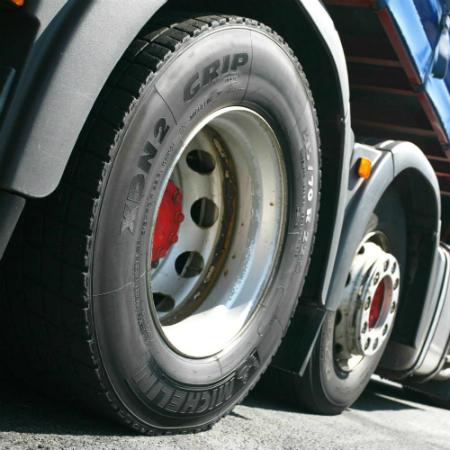 pneu-camion-poids-lourd-danet-auto-pieces-dap35